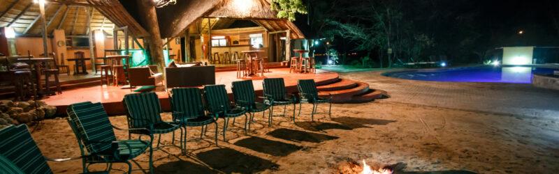 Luxury Lodge - common area at night